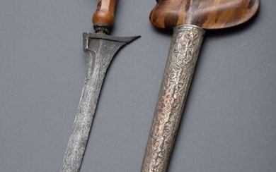 "Indonesian kris with straight blade ""Dapur Bener"" and carved wooden..."