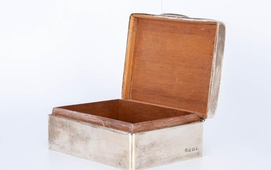SILVER BOX SILVER BOX WITH ENGINE TURNED DECORATION AND...