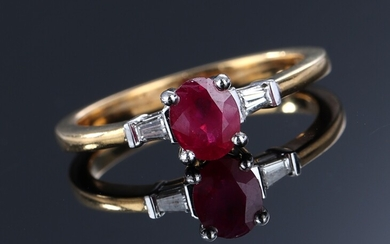 Spinel solitaire ring in 18K gold and white gold