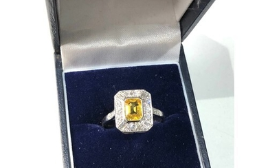 18ct white gold yellow sapphire and diamond ring central sap...
