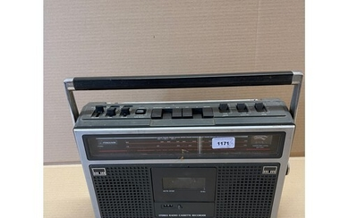 A Grundig Yacht Boy portable radio, and various other audio ...