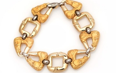 NOT SOLD. A diamond bracelet with joints in the shape of horse heads set with six diamonds, mounted in 18k gold and white gold. L. ca. 20 cm. – Bruun Rasmussen Auctioneers of Fine Art