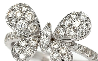 NOT SOLD. A diamond ring in the shape of a butterfly set with numerous diamonds weighing a total of app. 0.94 ct., mounted in 18k white gold. Size 52. – Bruun Rasmussen Auctioneers of Fine Art