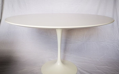 Eero Saarinen - Knoll - Dining table, Table (1) - Tulip tavolo