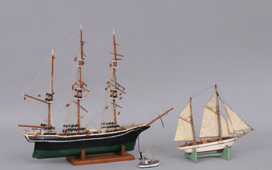 MODEL VESSEL, 3 pcs. around the middle of the 20th century.