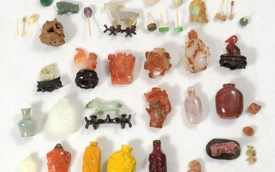 Chinese Assorted Snuff Bottles and Jades, 19/20th