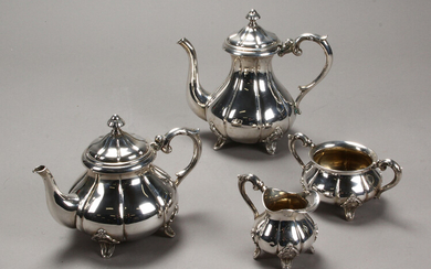Coffee and tea service made in silver (4)