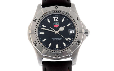 TAG HEUER - a stainless steel 2000 Series wrist watch, 37mm.