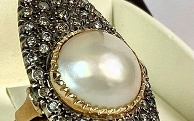 14 kt. Yellow gold - Ring - 4.00 ct Diamonds - Natural pearl Mabè sea cultivation