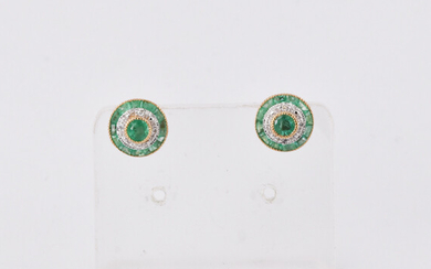 A PAIR OF ART DECO STYLE EAR STUDS