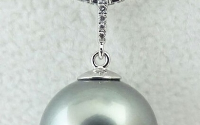 HS Jewellery - Tahitian Pearl, Lightest Silvery Blue, Huge, Round 14.28 mm - 18 kt. White gold - Pendant - Diamonds