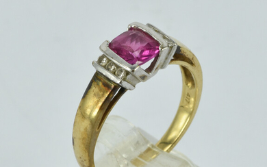 A 10CT GOLD, PINK SAPPHIRE AND DIAMOND RING