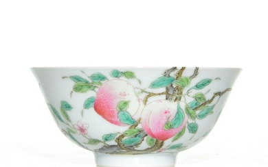 """A VERY FINE CHINESE FAMILLE ROSE """"PEACH"""" BOWL"""