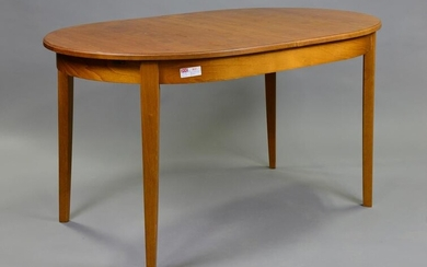 Oval Mid Century Modern Dining Table With Pop Up Leaf
