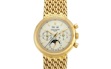 Reference 3970/2   A yellow gold perpetual calendar chronograph bracelet watch with moon phases, 24 hours and leap year indication, Made in 1992   百達翡麗   型號3970/2A   黃金萬年曆計時鏈帶腕錶,備月相、24小時及閏年顯示,1992年製, Patek Philippe