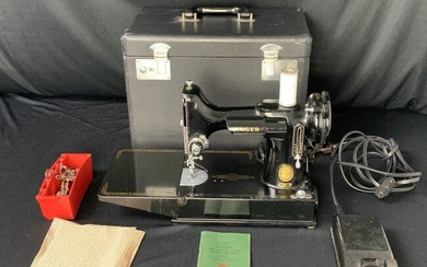 Singer Featherweight Sewing Machine Model #221-1