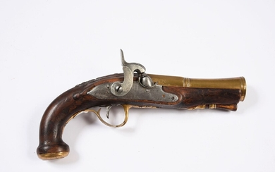TRANSFORMED SILEX PERCUSSION TRAVEL PISTOL.Octagonal bronze barrel then truncated towards the mouth. Slightly moulded stock and long barrel (restoration). Cut and engraved bronze fittings. Hook of belt. Mechanics to be revised. Late 18th - early...