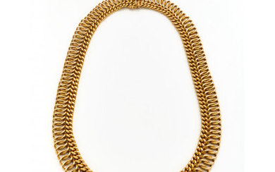 Yellow gold graduated chain necklace, g 46.02 circa, length cm 43.50 circa. French hallmarks.Read more