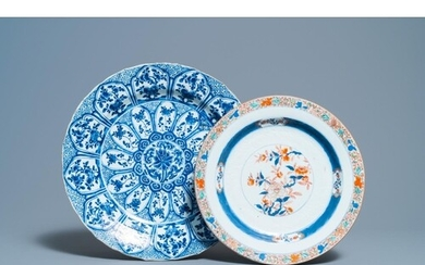 A Chinese blue and white 'lotus' dish and a famille verte di...