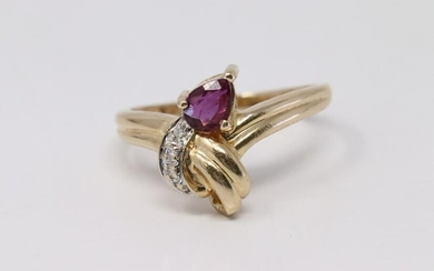 14Kt Yellow Gold Vintage Ruby Diamond Ring.