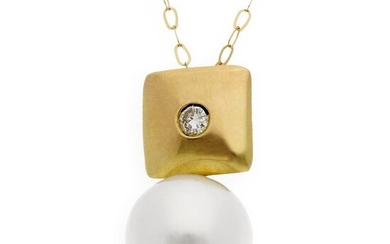 18 kt. Yellow gold - Necklace with pendant - 0.07 ct Diamond - 10.00mm South Sea Pearl (Australian)