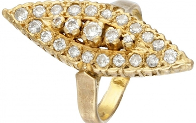 20K. Yellow gold vintage marquis ring set with approx. 0.81 ct. diamond.