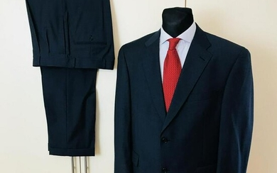 Lot Art Men S Tom James Tailored Suits And Separates