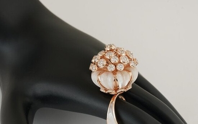 14 K Rose Gold Cocktail Diamond & Mother of Pearl Ring