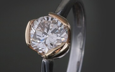 Ring in 18k two toned gold with a diamond 0.50ct