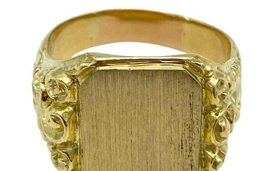Victorian Yellow Gold Signet Ring