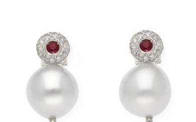 18 kt. White gold - Earrings - 0.20 ct Rubies - Diamonds, 9.50mm south sea pearls