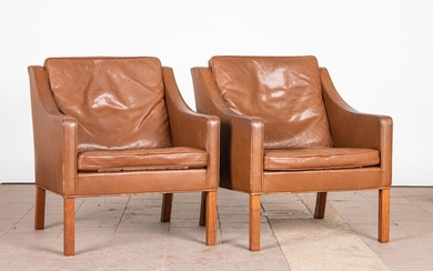 Børge Mogensen, Fredericia, two chairs / lounge chairs, model '2207', leather, wood, 1960s, Denmark (2)