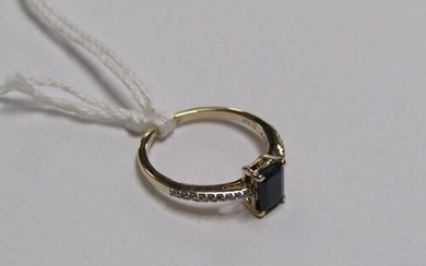 GOLD BLUE SAPPHIRE AND WHITE SAPPHIRE SET RING - SIZE O