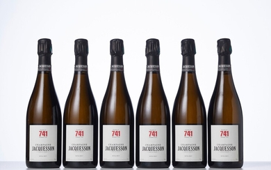 6 Bouteilles CHAMPAGNE EXTRA-BRUT CUVEE N° 741 Année : NM Appellation : Jacquesson Remarques :...