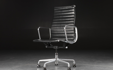 Charles Eames. Office chair, Aluminium Group, black leather