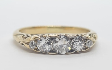 Antique 18k yellow gold diamond trilogy ring, weight 3.33g a...