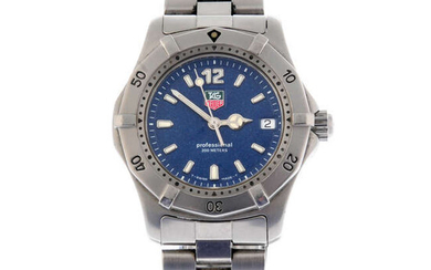TAG HEUER - a stainless steel 2000 Series bracelet watch, 33mm.