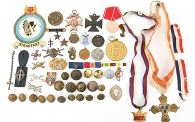 WORLD MILITARY MEDALS BUTTONS & PINS LOT