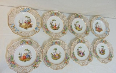 8 Meissen porcelain luncheon plates decorated with
