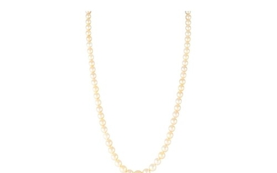 A CULTURED PEARL NECKLACE, the graduated pearls to an 18ct y...