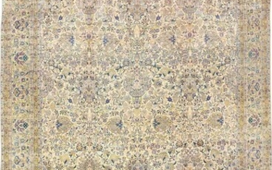 ANTIQUE PERSIAN OVERSIZE AND FINE KERMAN CARPET. 21 ft 9 in x 14 ft 3 in (6.63 m x 4.34 m).