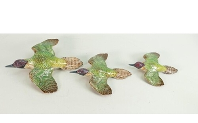 Beswick graduated set of flying Woodpecker wall plaques: Bes...