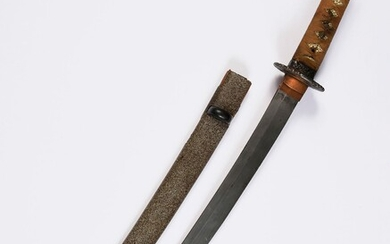 JAPANESE SABRE WAKIZASHI TYPE.Iron moulding. Tsuba in cut-out. Blade slightly curved. Grey lacquer scabbard. L. 62 cm.