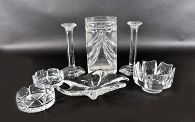 SEVEN PIECES OF COLORLESS GLASS TABLE ITEMS