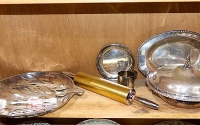 (lot 0f 16) Assorted silver plate group