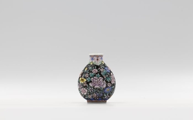 Snuff bottle - Enameled Glass - Flowers - By Dou Mei Rong - China - Second half 20th century