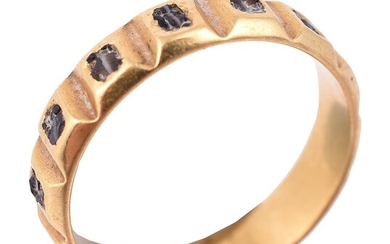 A 17th century band ring