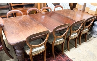 A late Victorian mahogany extending dining table, 238cm exte...