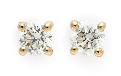A pair of diamond ear studs each set with a diamond weighing a total of app. 0.40 ct., mounted in 14k gold. (2) – Bruun Rasmussen Auctioneers of Fine Art
