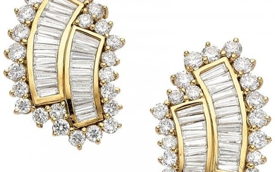Diamond, Gold Earrings Stones: Full and tapered